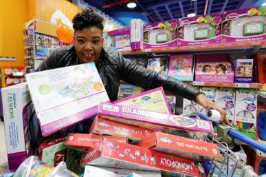 THE TOY SPRINT IS BACK WITH ANELE MDODA SPRINTING FOR CHARITY