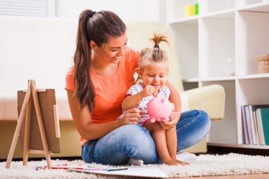 8 GREAT MONEY HABITS TO TEACH YOUR LITTLE ONES