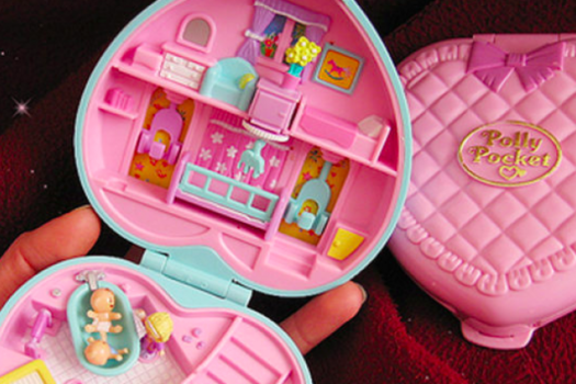 THE 90'S FAVOURITE POLLY POCKET™ MAKES A COMEBACK!