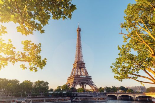 5 ROMANTIC REASONS TO VISIT PARIS THIS MONTH OF LOVE